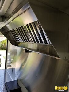 2010 Kitchen Food Truck All-purpose Food Truck Diamond Plated Aluminum Flooring Texas Gas Engine for Sale