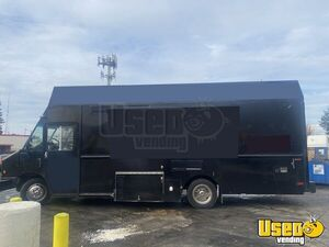 2010 Mt-45 Step Van Kitchen Food Truck All-purpose Food Truck Air Conditioning California Diesel Engine for Sale