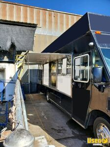 2010 Mt-45 Step Van Kitchen Food Truck All-purpose Food Truck Stainless Steel Wall Covers California Diesel Engine for Sale