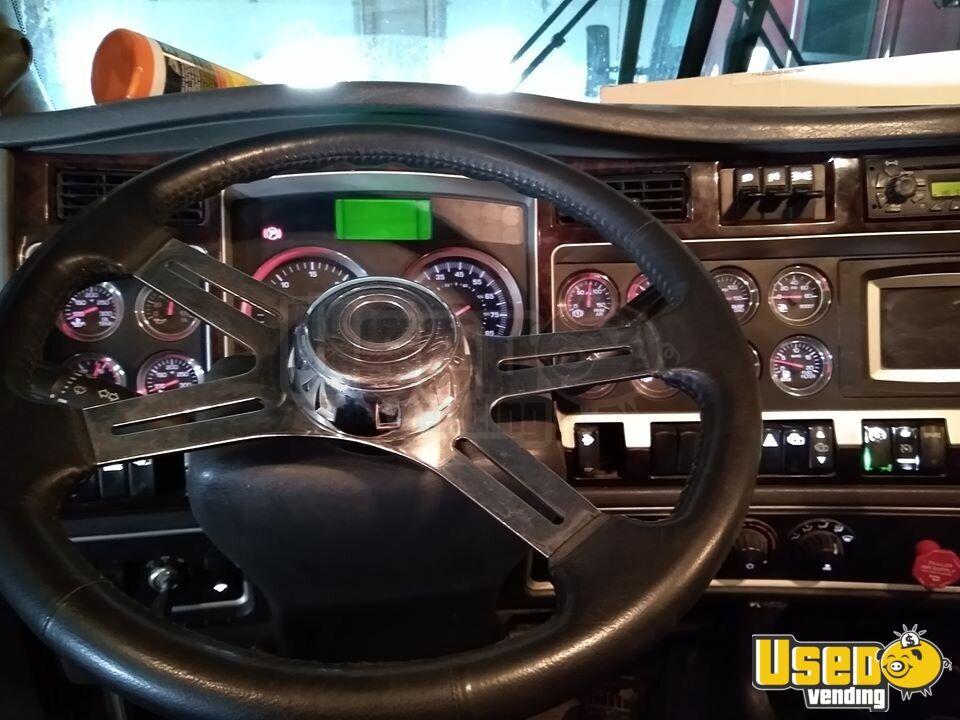 2010 Kenworth T660 Sleeper Cab Semi Truck Deleted Cat C15