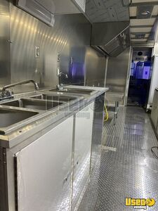2010 Workhorse Step Van Kitchen Food Truck All-purpose Food Truck Gfi Outlets Indiana Gas Engine for Sale