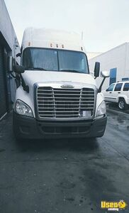 2011 Cascadia Freightliner Semi Truck Double Bunk California for Sale