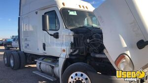 2011 Cascadia Sleeper Cab Semi Truck Freightliner Semi Truck 3 Texas for Sale
