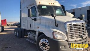 2011 Cascadia Sleeper Cab Semi Truck Freightliner Semi Truck Texas for Sale