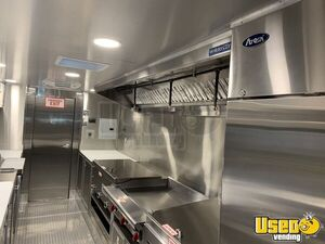 2011 Custom Built Kitchen Food Truck All-purpose Food Truck Refrigerator California for Sale