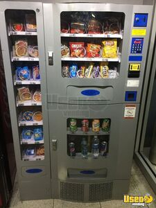 Office Deli Combo Snack Drink & Entree Vending Machine for Sale in Tennessee!!!