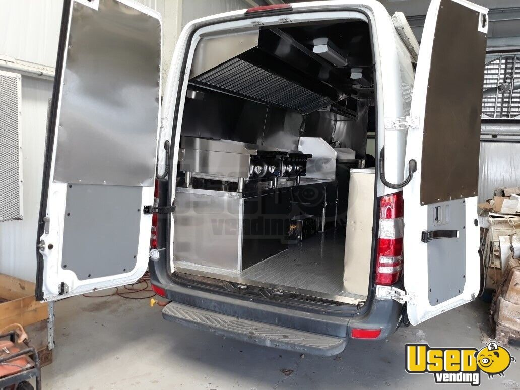2012 Mercedes-benz Sprinter All-purpose Food Truck Air Conditioning Texas Diesel Engine for Sale - 2
