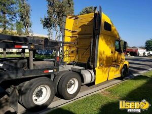 2012 Vnl64670 Sleeper Cab Semi Truck Volvo Semi Truck 3 California for Sale