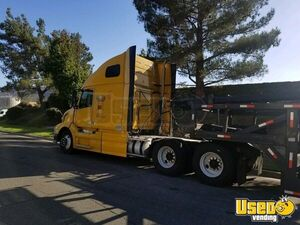 2012 Vnl64670 Sleeper Cab Semi Truck Volvo Semi Truck California for Sale