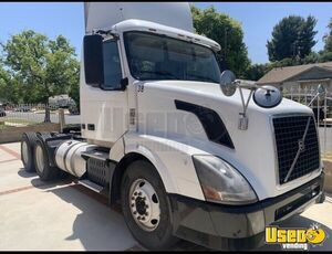 2012 Vnl670-64t300 Day Cab Semi Truck Volvo Semi Truck 2 California for Sale