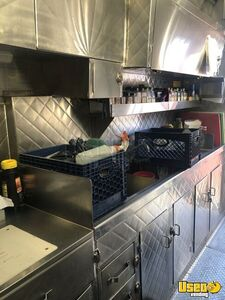 2013 Catering Truck All-purpose Food Truck Floor Drains California Diesel Engine for Sale