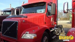 2013 D13 Day Cab Semi Truck Volvo Semi Truck 2 Tennessee for Sale