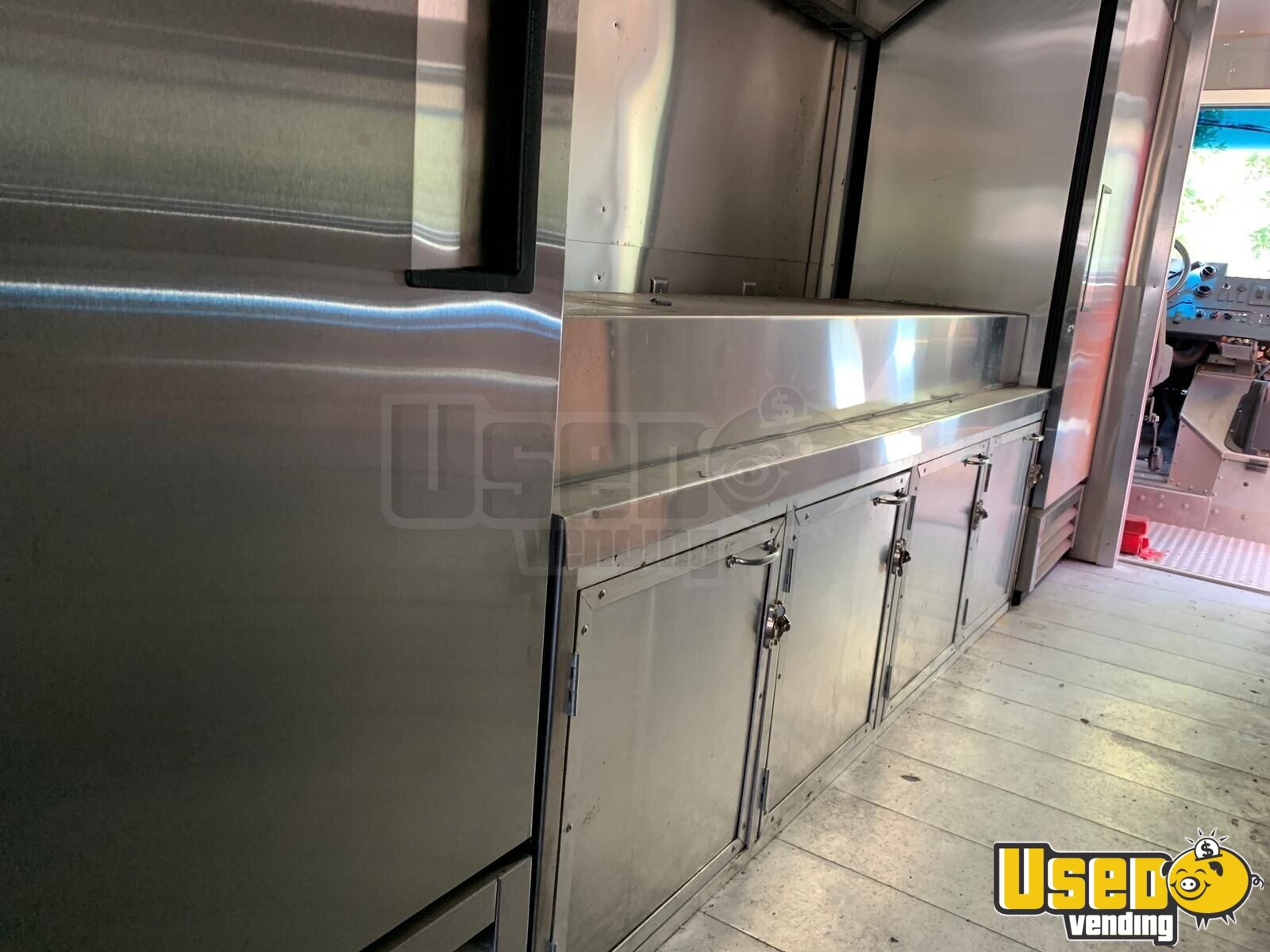 2013 Ford F50 All-purpose Food Truck Diamond Plated Aluminum Flooring Florida Gas Engine for Sale - 11