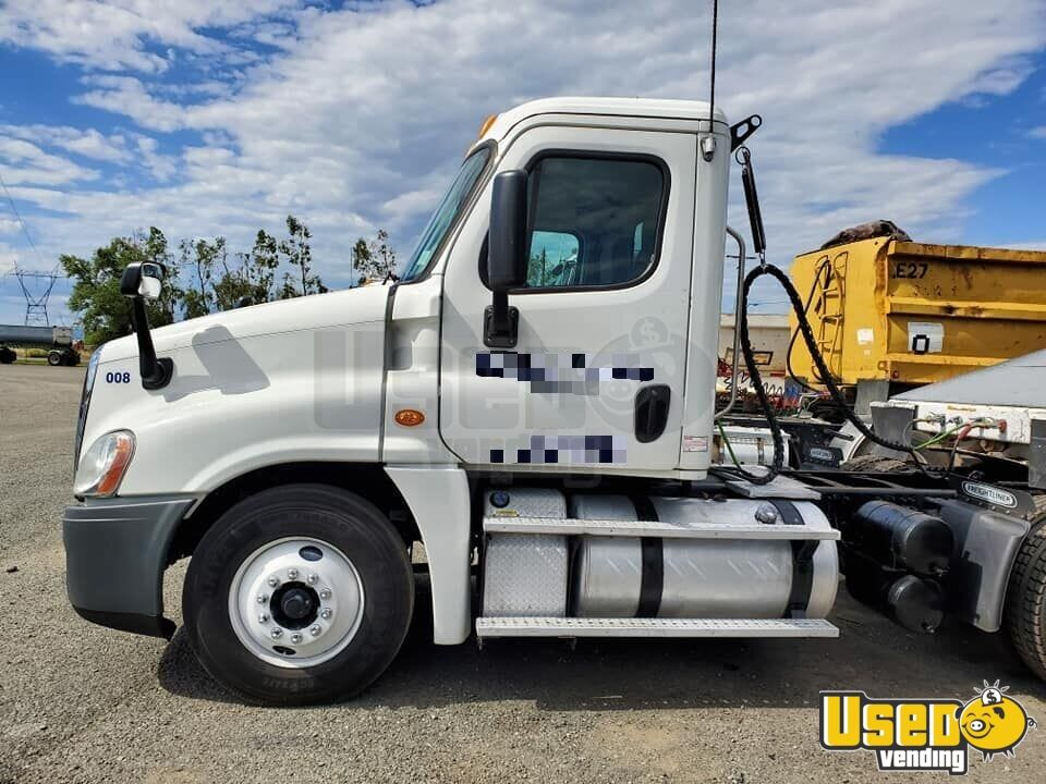 2013 Freightliner Semi Truck 2 California for Sale - 2