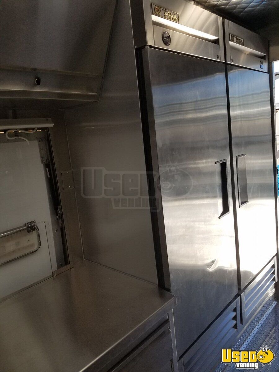 2014 Ford F59 All-purpose Food Truck Deep Freezer California Gas Engine for Sale - 10