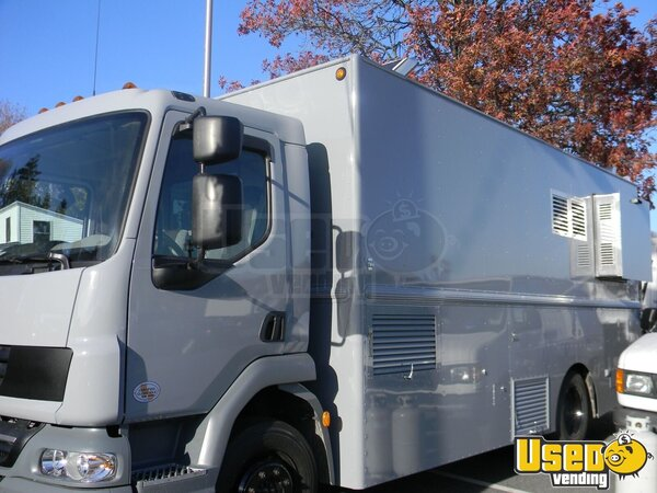 2014 K270 W/ Hivco Custom Body Kitchen Food Truck All-purpose Food Truck Air Conditioning Massachusetts Diesel Engine for Sale