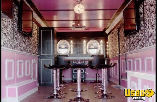 2015 Cargo Craft Enclosed Trailer Mobile Hair Salon Truck Air Conditioning Ohio for Sale