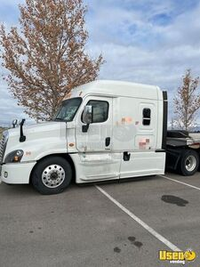 2015 Cascadia Evolution Sleeper Cab Semi Truck Freightliner Semi Truck 4 Utah for Sale