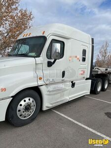 2015 Cascadia Evolution Sleeper Cab Semi Truck Freightliner Semi Truck Headache Rack Utah for Sale