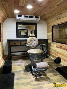 2015 Express Luxury Mobile Barbershop Mobile Hair Salon Truck Hand-washing Sink Arizona Gas Engine for Sale