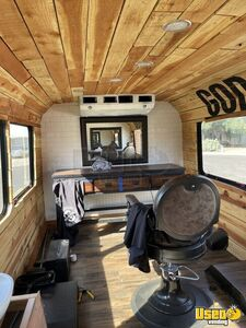 2015 Express Luxury Mobile Barbershop Mobile Hair Salon Truck Interior Lighting Arizona Gas Engine for Sale