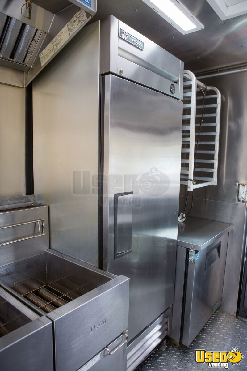 2016 16' F59 Kitchen Food Truck All-purpose Food Truck Exterior Customer Counter Virginia Gas Engine for Sale - 9