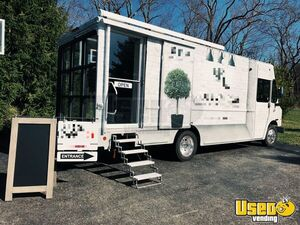 2016 Ford Step-up Van Mobile Boutique Truck Ohio Gas Engine for Sale