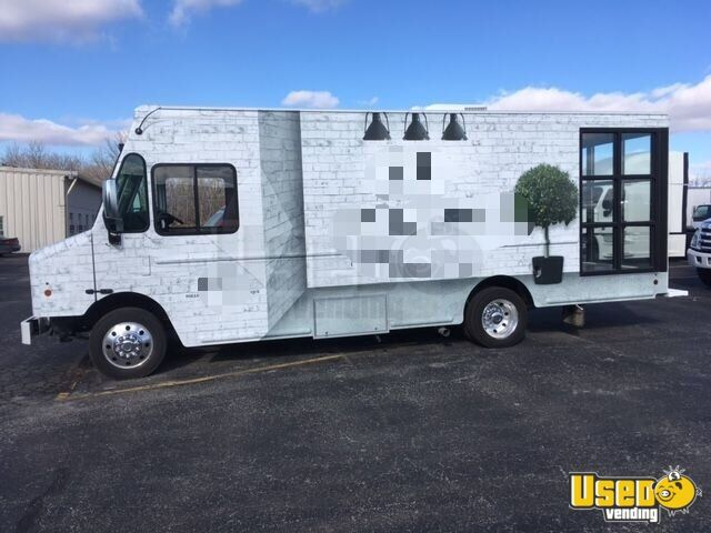 2016 Ford Step-up Van Mobile Boutique Truck Surveillance Cameras Ohio Gas Engine for Sale - 5