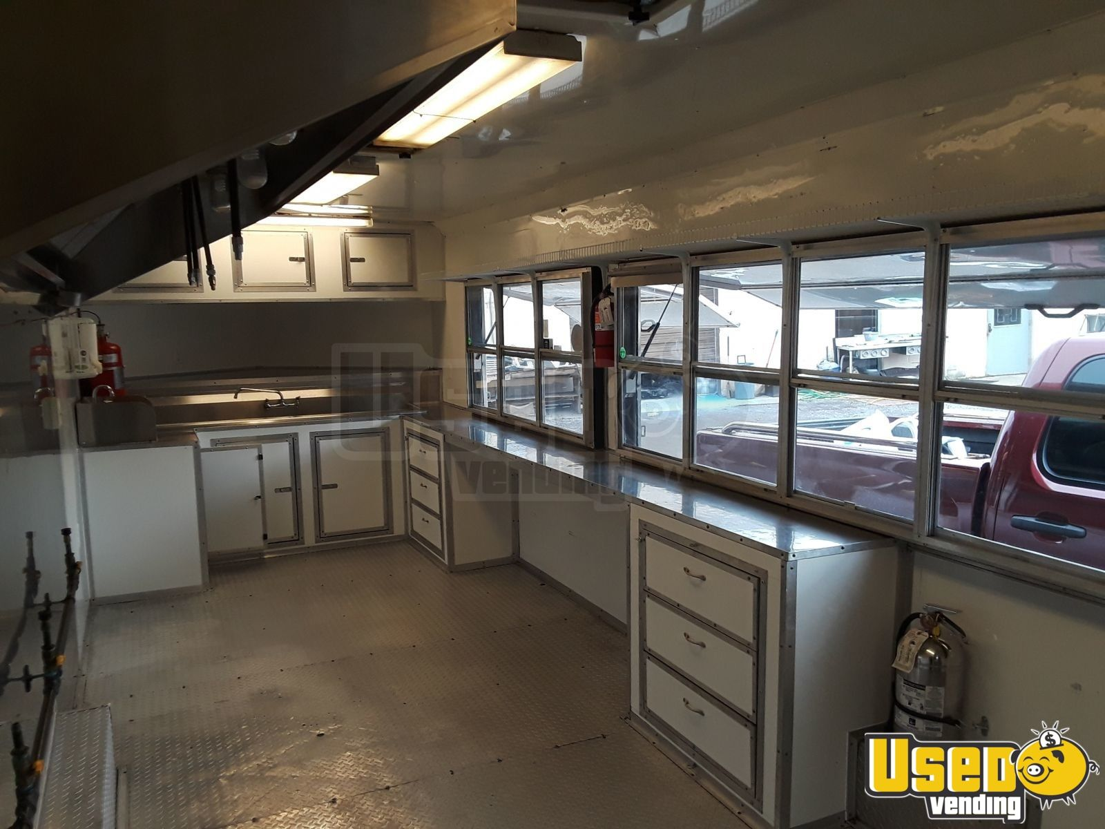 2016 Freedom Trailer 85x Concession Trailer Oven Tennessee for Sale - 16