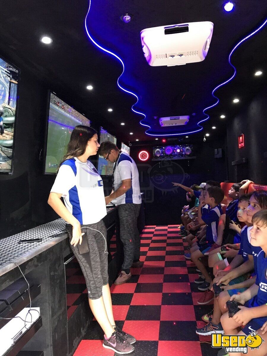 2016 Games On Wheels Usa Party / Gaming Trailer Exterior Lighting Florida for Sale - 7