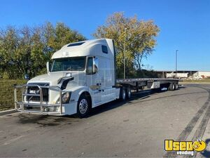 2016 Vnl670 Sleeper Cab Semi Truck Volvo Semi Truck Chrome Package Illinois for Sale