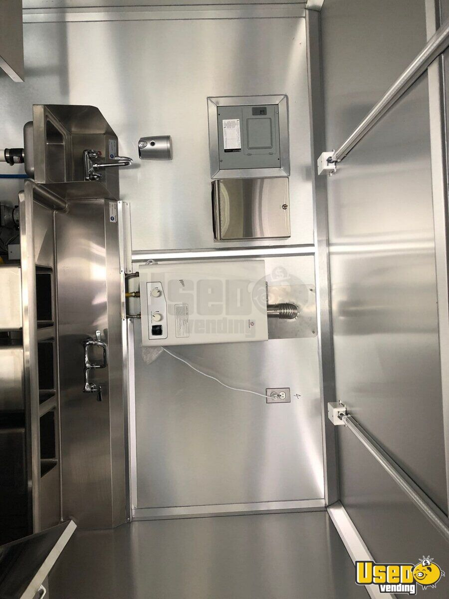 2017 All-purpose Food Trailer Stainless Steel Wall Covers North Carolina Diesel Engine for Sale - 6