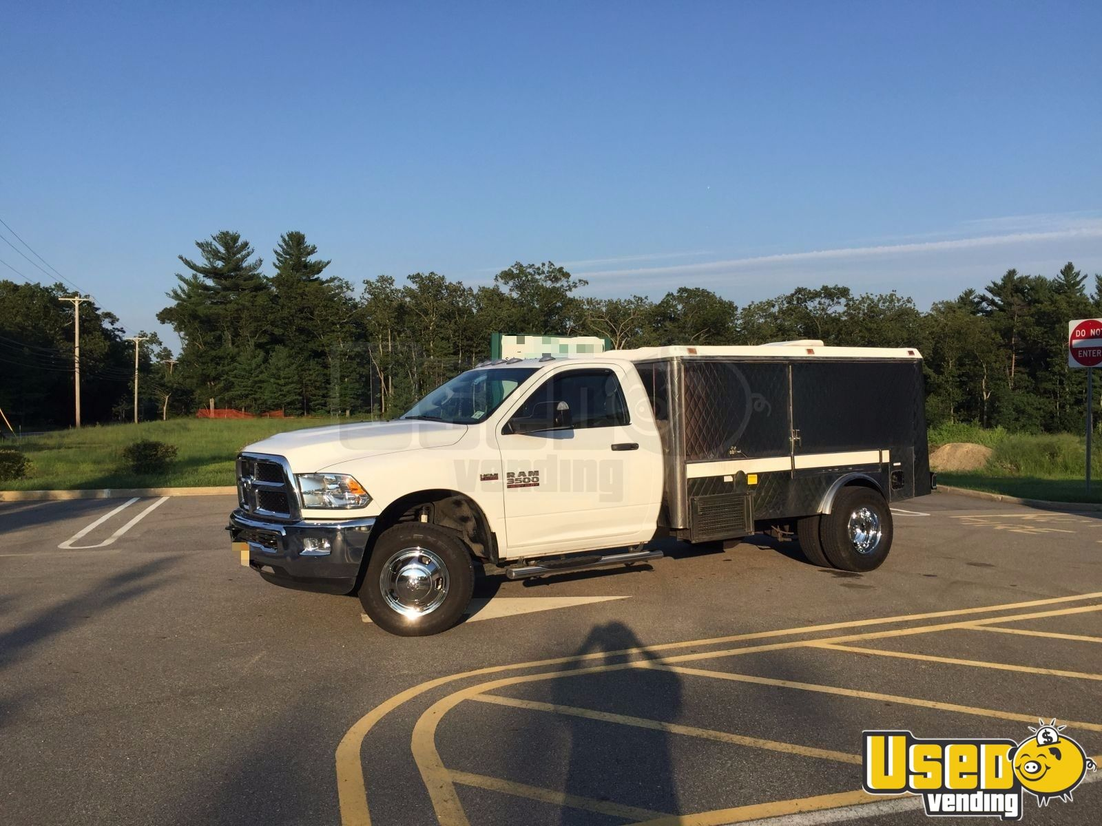 2017 Dodge Ram 3500 Dually Lunch Serving Food Truck Air Conditioning New Jersey Gas Engine for Sale - 2