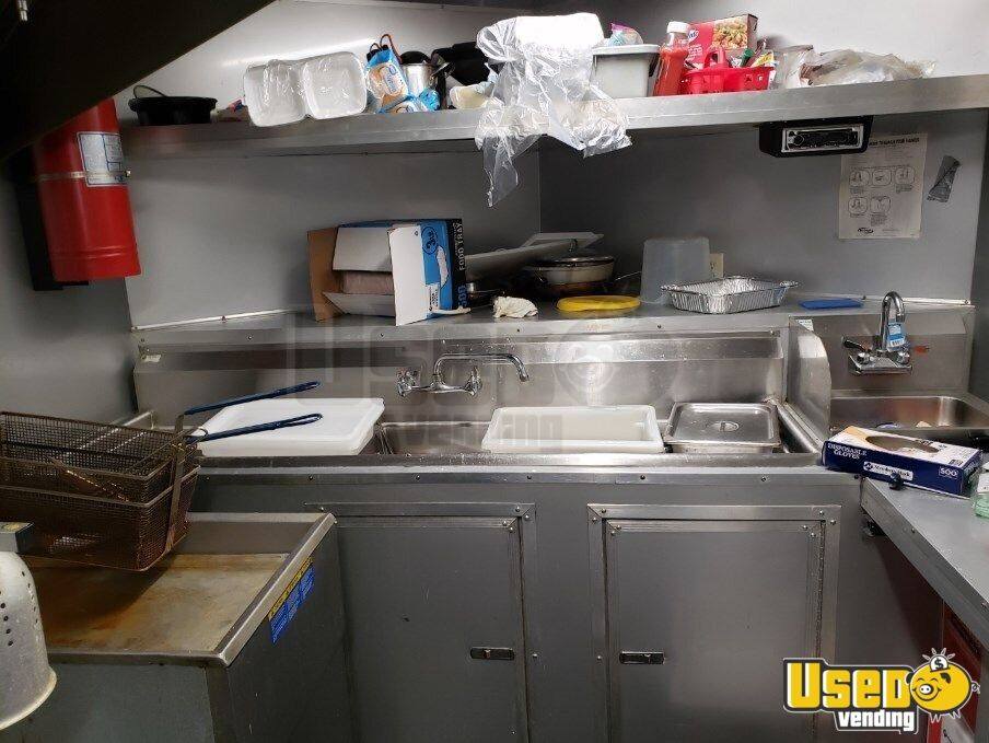 2017 Kitchen Food Trailer Gray Water Tank North Carolina for Sale - 17