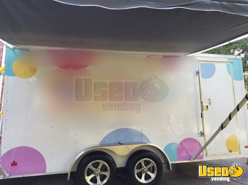 2017 Wells Cargo Mobile Boutique Truck Awning Texas for Sale - 3