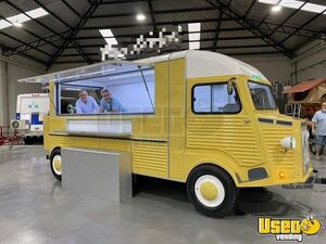2020 - 7.5' x 17' Brand NEW Vintage-Style Citroen Conversion Concession Trailer for Sale in Florida!