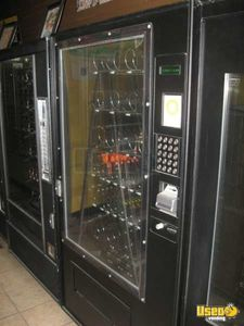 5600 7600 Automatic Products Snack Machine 2 California for Sale