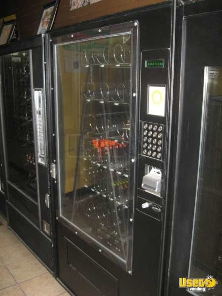 5600 7600 Automatic Products Snack Machine 2 California for Sale - 2
