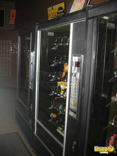 5600 7600 Automatic Products Snack Machine 3 California for Sale - 3