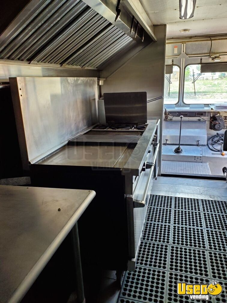 93 1993 Oshkosh All-purpose Food Truck Microwave Colorado Diesel Engine for Sale - 15