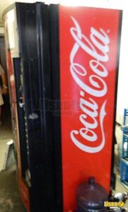 A-vend, Coca Cola Other Snack Vending Machine 4 Pennsylvania for Sale