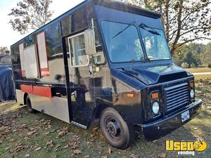 2011 24' Chevy P30 Step Van Kitchen Food Truck with Pro Fire Suppression System for Sale in Alabama!