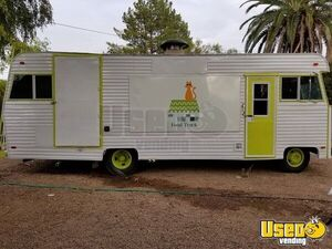 26' Dodge M3000 Food Truck with Recently Rebuilt Kitchen Motorhome Conversion for Sale in Arizona!