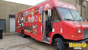 2010 Workhorse P42 26' Stepvan Kitchen Food Truck w/ Pro Fire Suppression System for Sale in Arizona