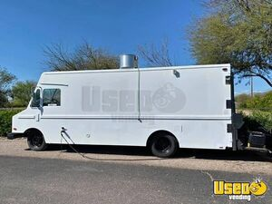 24' Oshkosh MT40 Diesel Step Van Food Truck / Awesome Mobile Kitchen for Sale in Arizona!