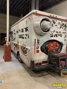 Ford 35c Food Truck/Mobile Kitchen w/ Pro Fire Suppression for Sale in Arizona!