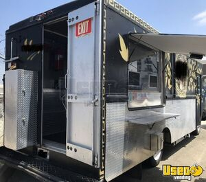 Fully Loaded 2003 26' Diesel Workhorse Food Truck w/ 2018 Kitchen Build-out for Sale in California!