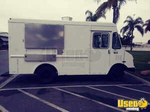 GMC P30 Stepvan Food Truck Mobile Kitchen for Sale in California!!!