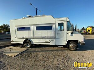 Roomy & Very Clean Chevrolet Kitchen Food Truck w/ Pro Fire Suppression for Sale in California!