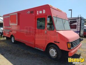 2006 - 26' GM Mobile Kitchen Food Truck | Solid Rolling Kitchen for Sale in California!!!